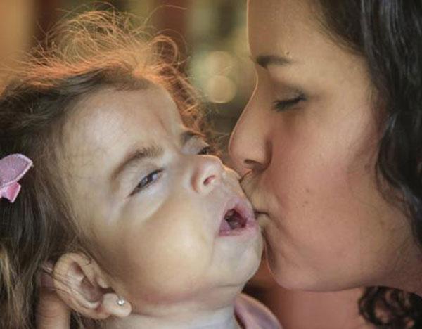 Damaris Higuera and her daughter, Sadie